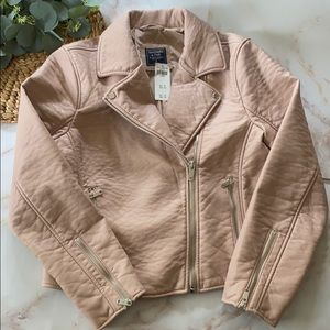Abercrombie & Fitch pink faux leather - Size XL